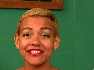 ATKhairy: ไพเพอร์ - สัมภาษณ์ภาพยนตร์ พบไพเพอร์ ลูกเรือตัดกีฬาขนเพศนางฟ้า ด้วยรอยยิ้มชนะ ไพเพอร์พูดเธอรัก สวนสาธารณะ และถัก ในการสัมภาษณ์กับวิลเลียมส์ R เธอยังจัดการเปลือย และโชว์พุ่มปลูกออกและหีของเธอ