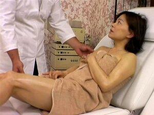 ซนเอเชียเย็ด massagist ในภาพยนตร์ถ้ำมองเซ็กซี่ โคจิเป็นการ massagist เอเชียที่ชอบใส่มือของเขาบนร่างกายของเขาลูกค้าผู้หญิงน่ารัก ในนี้นวดวิดีโอเขาจะดูแลสาวเซ็กซี่ และมีหี humping ยาก