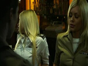 ปืนยอดนิยมนำแสดงโดยเจสซีเจน กระโปรงสั้น กา Alexis, Riley Steele กุหลาบ Selena, Stoya 02