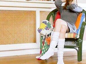 ถุงเท้าสีขาวและ ultracute ช่วยตัวเอง