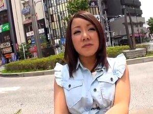 ควยใหญ่ สาวน้อยปั่นกระเทยธรรมชาติที่ดูเหมือนกำลังพยายามที่จะรอบอกจากชุดชั้นในของเธอ พ่อสั้น แต่แม่มีสาวใหญ่ ดังนั้นสิ่งที่คุณได้รับเป็นการผสมผสานดีเอ็นเอที่ผิดปกติ นำแสดงโดย Riona Kamijo