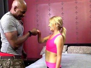 Carmen คัลเย็ดครูฝึกของเธอสีดำ
