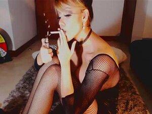สูบบุหรี่เศษเซ็กซี่