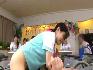 พยาบาลญี่ปุ่นลึก sixtynine ด้งในที่สาธารณะ