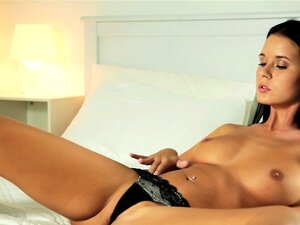 Babes - Dirty Thoughts starring Mia Manarot
