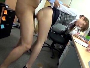 สำนักงานในถุงน่องเซ็กซี่ได้รับหีของเธอลูบ และไมโครเวฟ office ฉ่ำร้อน ๆ ชอบสนุกกับเพื่อนร่วมงานในสำนักงาน มีเขาสองคนเจาะหีเธอไม่สั่น และจะออกไก่ของพวกเขาเพื่อให้พวกเขาดูด แฟนเราเขาน่าจะพร้อมสำหรับทุกชนิดของไม่ยอมใครง่าย ๆ และเธอทำให้ไก่ร้อนขี่และกลืน cum ร