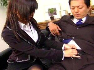 เซ็กซี่เลขานุการ Satomi Maeno ดูดกระเจี๊ยวน่าเกลียด