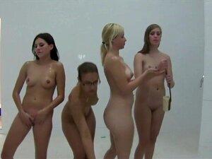 นักศึกษาเลสเบี้ยนในกลุ่มดูดหี