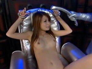 เครื่องสั่นแทรกในญี่ปุ่นสาว Tsubomi