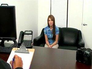 สาวสีน้ำตาลมือสมัครเล่นที่สัมภาษณ์พร