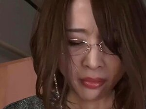 Asian teacher sucking dick for student - full link: 123link.pw/NzHiE