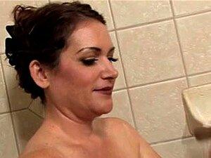 อายุคงใช้ห้องน้ำ