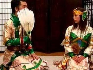 4 คอสเพลย์นักรบฉากเหล่านั้นคือบางส่วนของผู้หญิงเอเชียสวยที่สุดในชุดนักรบที่เพลิดเพลินกับการมีเพศสัมพันธ์กับชาย พวกเขาอาจจะอยู่ยงคงกระพันในชุดเหล่านั้น แต่เตียง พวกเขายังคงทำหน้าที่เหมือนตัวเมียตัณหา