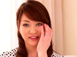 ใหม่มา Akari โนะบอกเราว่าเธอชอบ สัมภาษณ์นี้มีตั้ง และมาเย็ด Akari โฮชิโนะ เธอบอกเราเกี่ยวกับทำไมเธออยากเข้าวงการ AV เช่นเดียวกับสิ่งที่เธอรักมากเกี่ยวกับเพศ จากนั้น เธอได้รับคลำ และนิ้วเธอแสดงปิดร่างกายของเธอเซ็กซี่