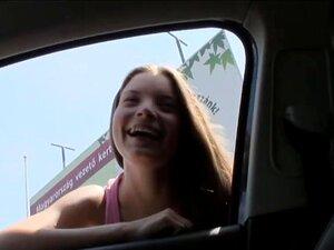 สาววัยรุ่นบีที hitchhiked และเจาะยากกลางแจ้ง ฮอทตี้วัยรุ่นบีที hitchhiked และเชื่อว่าการแฟลช scoops ของเธอแล้วได้รับของเล่นไปเจาะลึก โดยคนแปลกหน้าทางที่ผิดนี้กลางแจ้ง