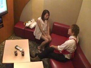 ส่วนตัวคาราโอเกะ:กล่องอะไรไปที่กล่องนี้คาราโอเกะพิเศษที่คู่รักร้อง และมีเพศสัมพันธ์ ในห้องพัก หรือ เมื่อหญิงสาวคนเดียวจองห้องคาราโอเกะเอง บริกรชายมีให้กับความบันเทิงทางเพศ นำแสดงโดย: ชิอะกิโคจิ ฟูจิอิ Aino Yoshioka Ran