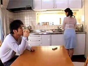 Hot Japanese Mom 40, Japonese mature is seducerd by young man