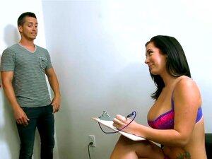 เจมส์เปียและการหล่อที่นอน Yo เราบอกคุณเกี่ยวกับเรา พวกคุณไม่ได้เขียน ตอนนี้ผมคิดว่า คุณพลาดกับหนึ่งในหญิงสาวที่ร้อนแรงที่สุดในพรเปียเจมส์ โชคดี มีเสมอเพื่อนที่นั่งอยู่ในห้องรอมองหาโอกาสของเขาใหญ่ ชื่อของเขาคือ โบ๊ท และเขาอยากจะ เป็นดารา พร ดีตอนนี้เขาได้ร