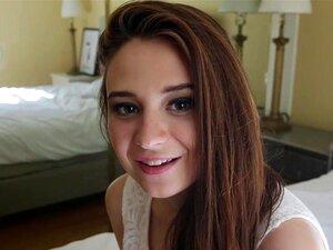 กุหลาบอิเล็กตรา()ในการเปิดตัว Elektrafying อิเล็กตรา(อายุ 19 ปี)ทำสาดกับฉากแรกเธอดังนั้นเราตัดสินใจแสดงให้พวกคุณฟังเทปของเธอ สีน้ำตาลสวยงามนี้มาจากนิวซ์แฮมไชร์ เพียงแค่ได้รับเท้าของเธอเปียกในธุรกิจ และไม่กลัวดาราโง่บนกล้อง อิเล็กตรา()มีของ 32D นมกับหัวนมส