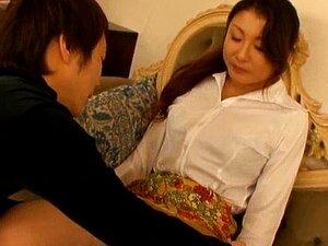 Horny japanese mature babe sucking