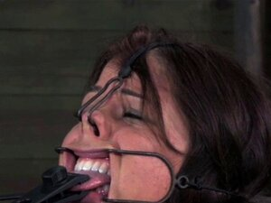 BDSM ย่อยได้รับการรักษาปากเปิดก็อก