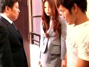 โจรจูบเพื่อนบ้าน เสมอความสุขในการดู คะซุมิ Risa มีหนึ่งศพสุดในในิอเว เธออยู่สูง ขายาว และกีฬาอร่อยอย่างหน้าอก และในวิดีโอนี้ เธอเล่นลามกคนอาศัยอยู่ในอพาร์ทเม้นสมบูรณ์ประทับใจเพื่อนบ้านของเธอ เดินเปลือยในบ้านของเธอเองกับกระโปรงเปิด และการสวมใส่เป็นพิเศษธุร