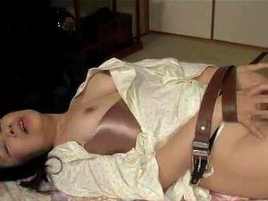ญี่ปุ่น AV แบบตื่นตาตื่นใจวัยผู้ใหญ่ในเพศชาย รุ่น AV ญี่ปุ่นซนเป็นวัยผู้ใหญ่ทาส เธอได้รับนมสาว และมีก้านแข็งเขาฝ่อเข้าไปในปากของเธอสำหรับอมใน เธอได้รับการกระทำง่าย ๆ เพิ่มเติมใน doggy สไตล์ร่วมเพศ และสิ้นสุดในหียุ่ง เธอเป็นหนึ่งเย็ด
