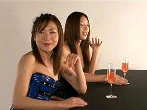 ญี่ปุ่นเลสเบี้ยน ผู้หญิงสาม และหนึ่ง กล้อง เร้าอารมณ์เลสเบี้ยน
