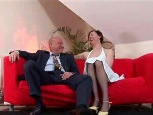 ผู้หญิงมีเขาในถุงน่องกับผู้ชายแก่ ๆ ตื่นเต้น