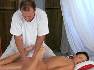 Hot-young-girls-leg-and-foot-massage-orgasm