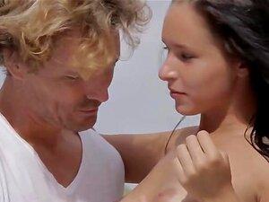 Sexing หรูหรา ด้วยสีน้ำตาล babe เป็นร่วมเพศกลางแจ้ง