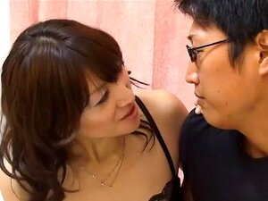 Filling up the cheating wife with man semen