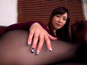 Uta Kohaku, Konishi ยูริ ครูญีในถุงน่อง 3 ส่วน 1.2
