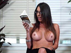 ชายหญิงอ่านหนังสือ Dava Fox free.mp