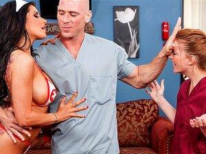 Rock'n' ม้วนพยาบาล เจ้าเป็นชนิดโรงเรียนเก่าของพยาบาล เธอทำสิ่งใดก็จะทำให้ฟังก์ชันชั้นของโรงพยาบาลเช่นเครื่อง lubed ดี เมื่อเธอพบดร.บาปเป็นความรู้สึกที่เครียดจริง ๆ เธอพาเขาเข้าไปในห้องพักผ่อนเล็กน้อยใส่ใจในไก่ของเขา เธอเล่นวิทยุ และแถบปิดการแสดงของเธอปลอม