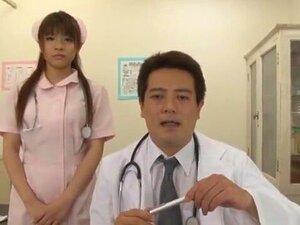 สาวญี่ปุ่นยอดเยี่ยม Riko Aduchi ในแปลกใหม่เลขานุการ JAV หน้าฉาก