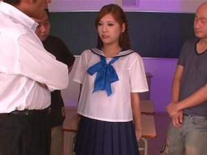 นักเรียน Yura คะซุมิเป็นที่ญี่ปุ่นหีสาว