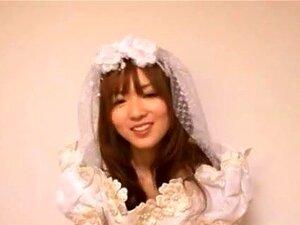 ตุ๊กตาญี่ปุ่นของอาซากุระ Yuu คือ สาวตัณหา อาซากุระ Yuu คือ วัยรุ่นเอเชียน่ารักในชุดแต่งงาน เธอจะแสดงออกภาพใต้กระโปรงของเธอตูดและถุงน่องสีขาว เธอมีของเล่นทางเพศมีมากมายกับเธอและผู้ชายของเธอ และพวกเขาจะใส่ของเล่นในหีของเธอร้อน เธอแทรกเย็ดเข้าไปในปากและคอลึก