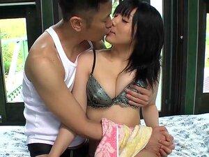 AV ญี่ปุ่นแอบซีดดาวไอริซุซุมิในบังกะโล ซีด AV ญี่ปุ่นดาวไอริซุซุมินามิพบว่าตัวเองเป้าหมายความรักรุนแรงหลังจากท่องเว็บผ่านทางจูบในบังกะโลที่เธอปล้น และกินในญี่ปุ่น HD