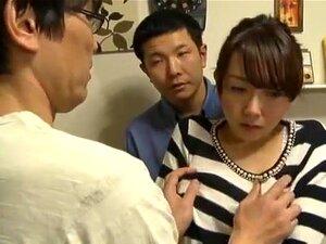 สาวญี่ปุ่นอะซูอิโตะในบ้าปาก JAV หัวนมใหญ่วิดีโอ