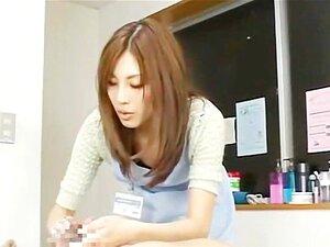 บาง CFNM ญี่ปุ่นอวัยวะเพศชายนวดใน office