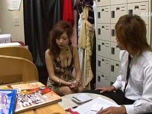 ดอกทองญี่ปุ่นบ้า Konishi นานาใน JAV มือสมัครเล่นวิดีโอ คู่ยอดเยี่ยม