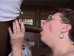 ยายมีเขาสีดำ และบอก cuck เธอรัก